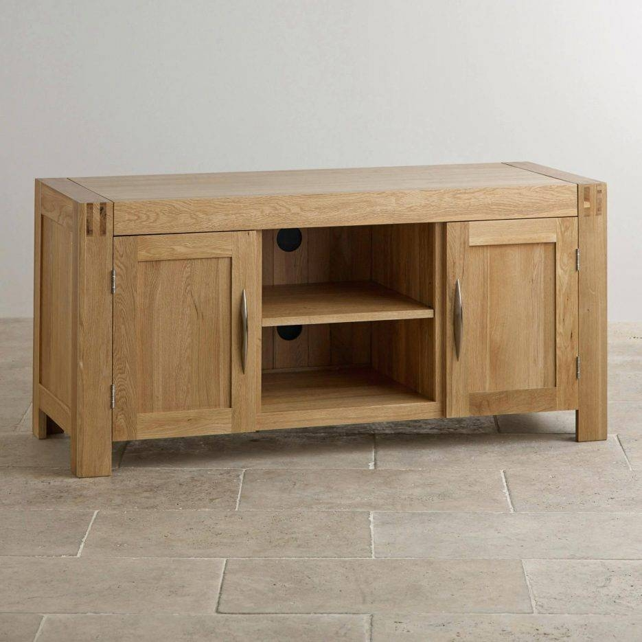 Tv Stand : Oakland Chunky Oak Small Tv Unit Plasma Tv Stand Small Inside Oak Tv Cabinets For Flat Screens With Doors (View 13 of 15)