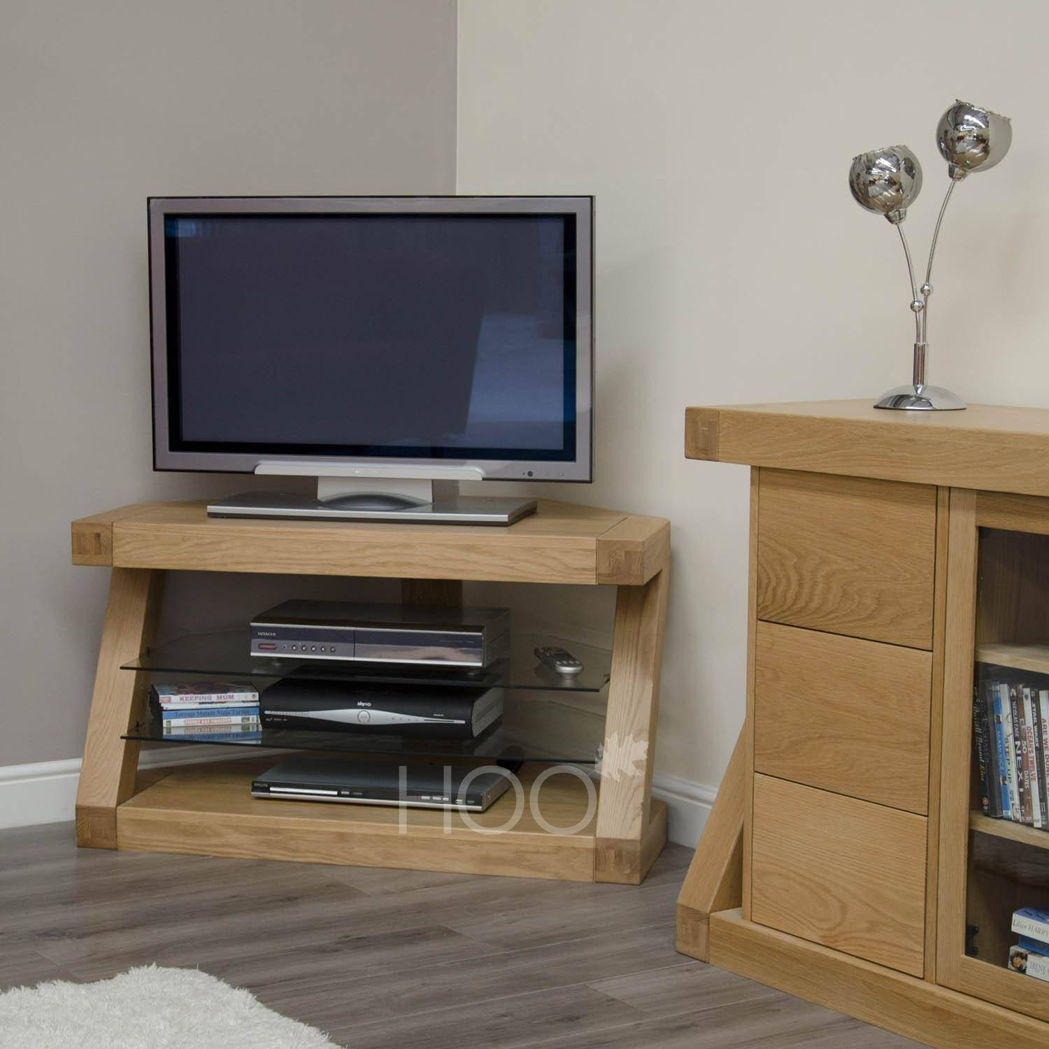 Popular Photo of Small Oak Corner Tv Stands