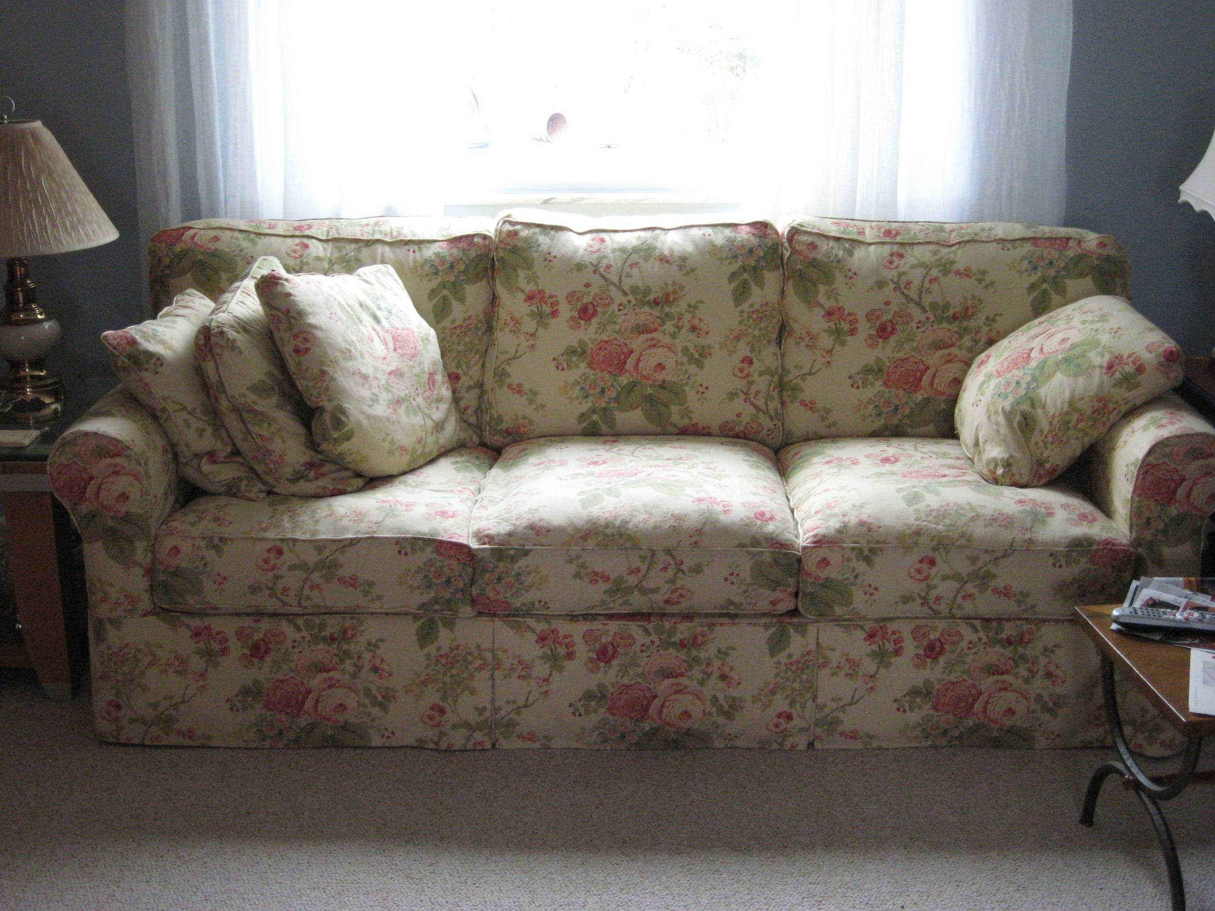 Wondrous Unique Couch Covers With Classic Floral Sofas Motif And For Floral Sofas (Photo 15 of 15)