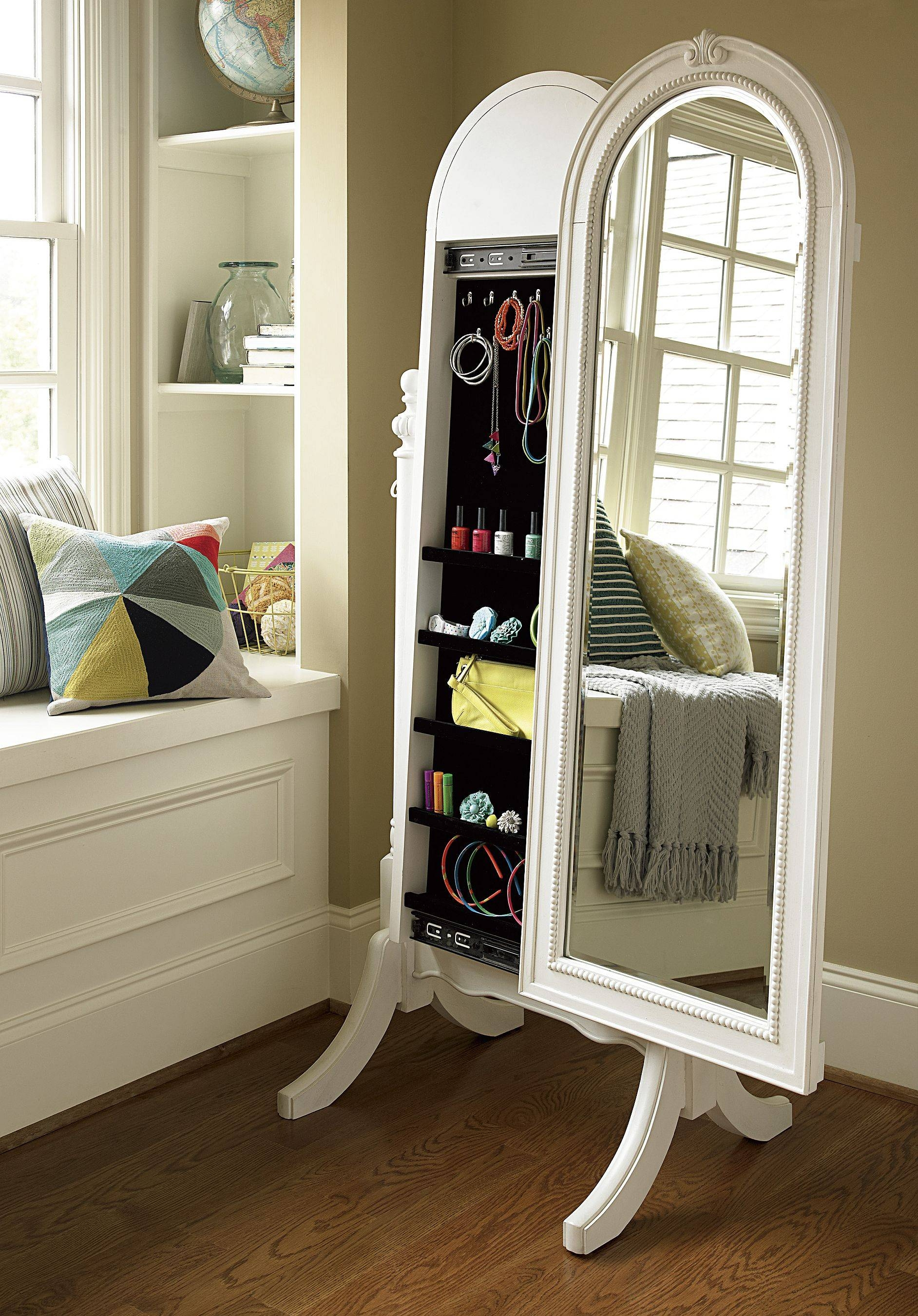 Furniture: Charming Cheval Mirror Jewelry Armoire Ideas For Standing Dressing Mirrors (View 4 of 15)