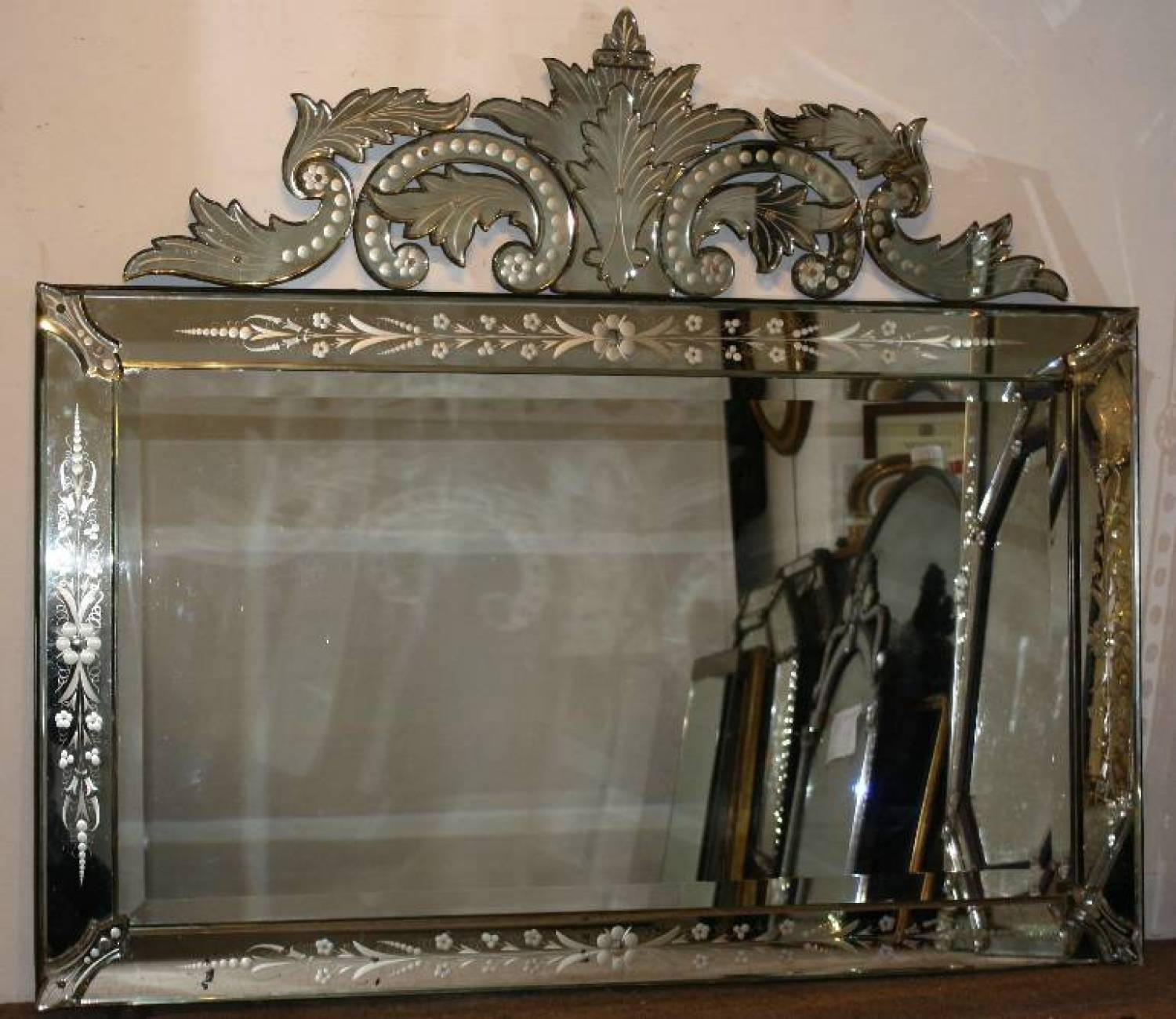 Interior: Collosal Antique Venetian Mirror For Home Decorating Inside Cheap Venetian Mirrors (View 7 of 15)