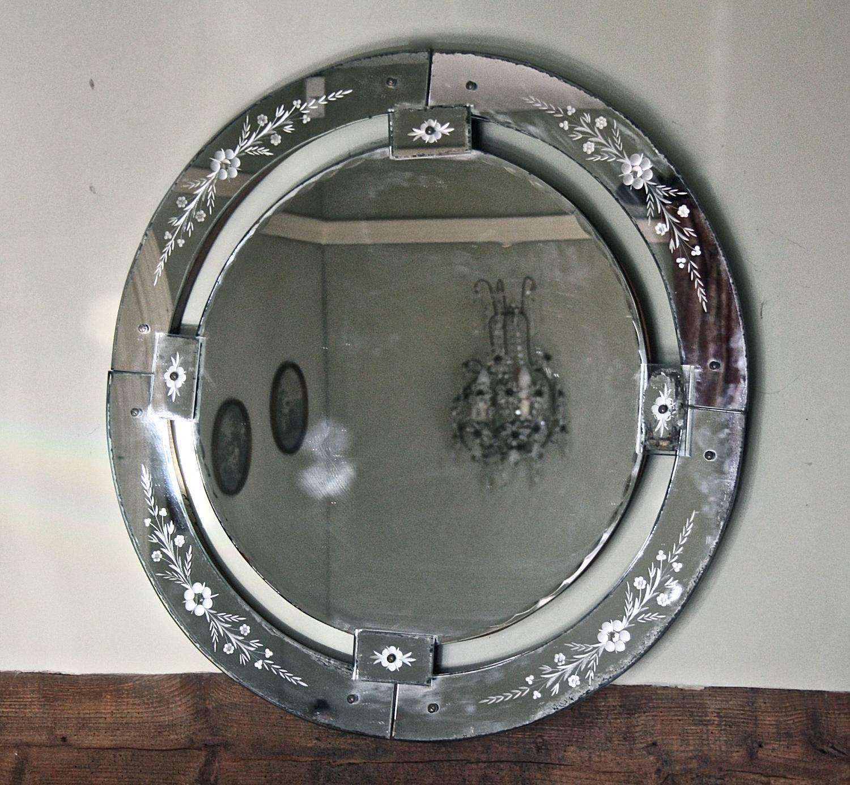 Large Round Venetian Mirror In Mirrors Throughout Round Venetian Mirrors (View 8 of 15)