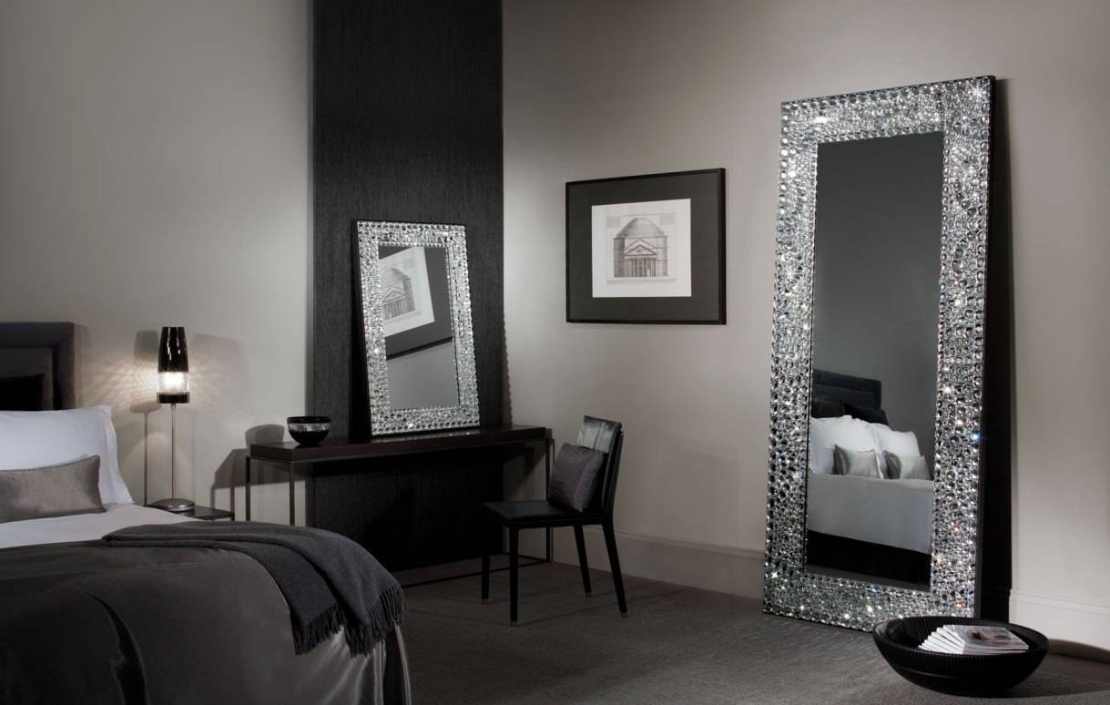 Mirror : B Beautiful Wall Mirror With Crystals Beautiful Glitter Pertaining To Liquid Glass Mirrors (View 14 of 15)