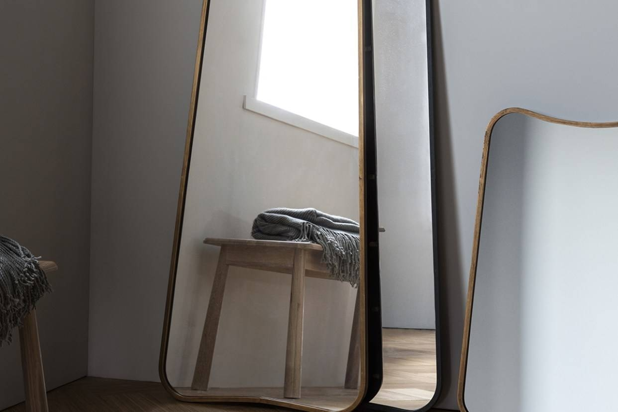 Mirror : Gold Mirrors Wonderful Gold Standing Mirror Delight Free Intended For Full Length Gold Mirrors (View 9 of 15)
