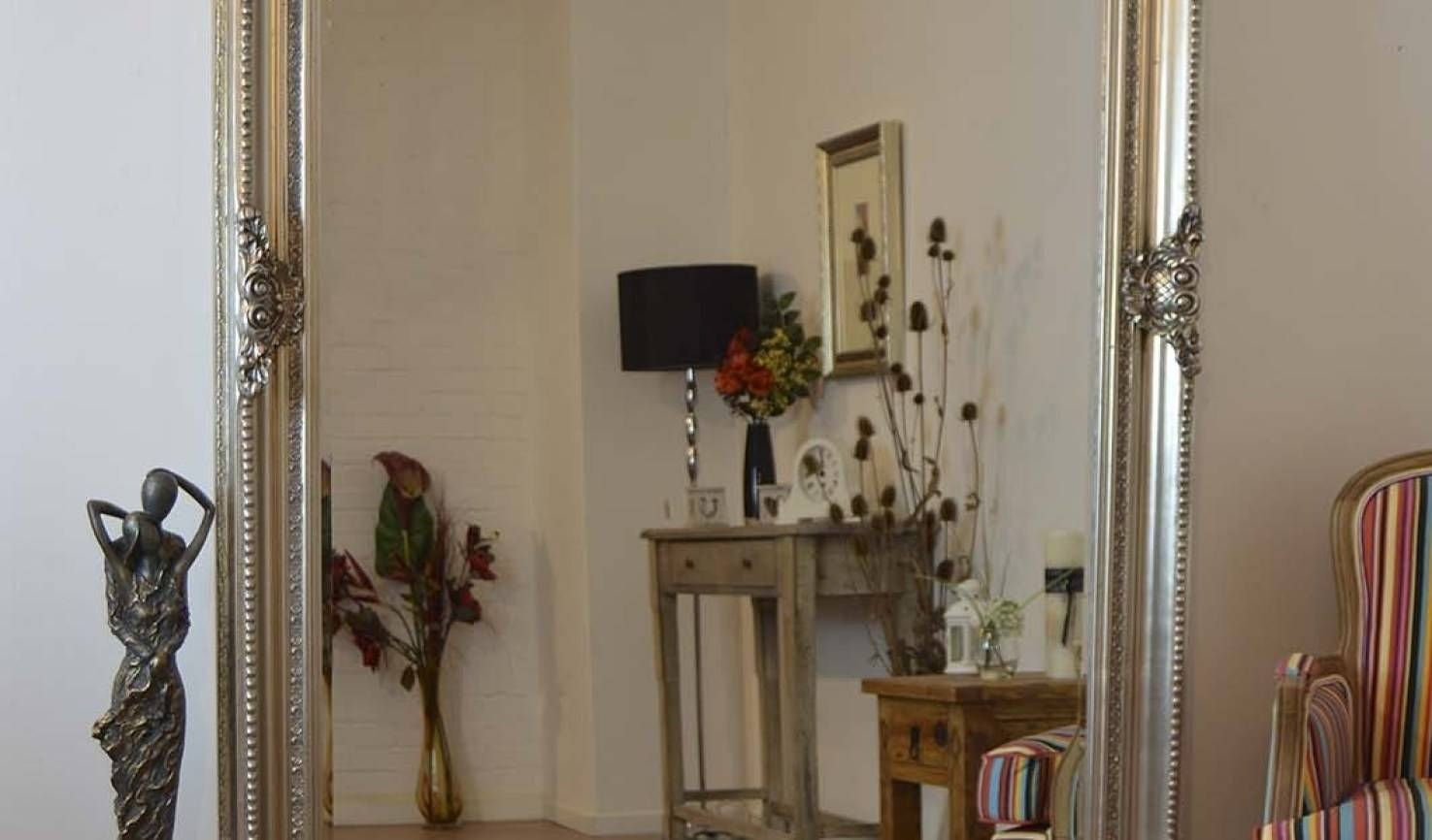 Mirror : Popular Beguile Cream Vintage Wall Mirror Frightening throughout Antique Cream Wall Mirrors (Image 13 of 15)