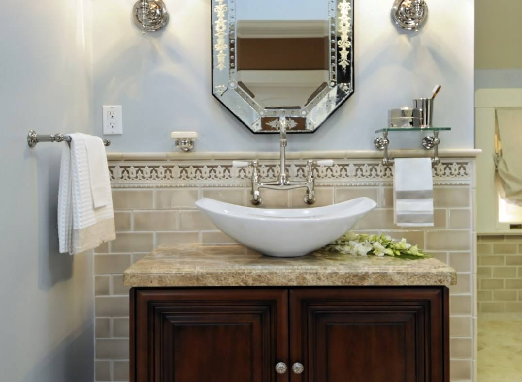 Mirror : Shining Venetian Bronze Bathroom Mirror Bright Venetian with Venetian Beaded Mirrors (Image 3 of 15)
