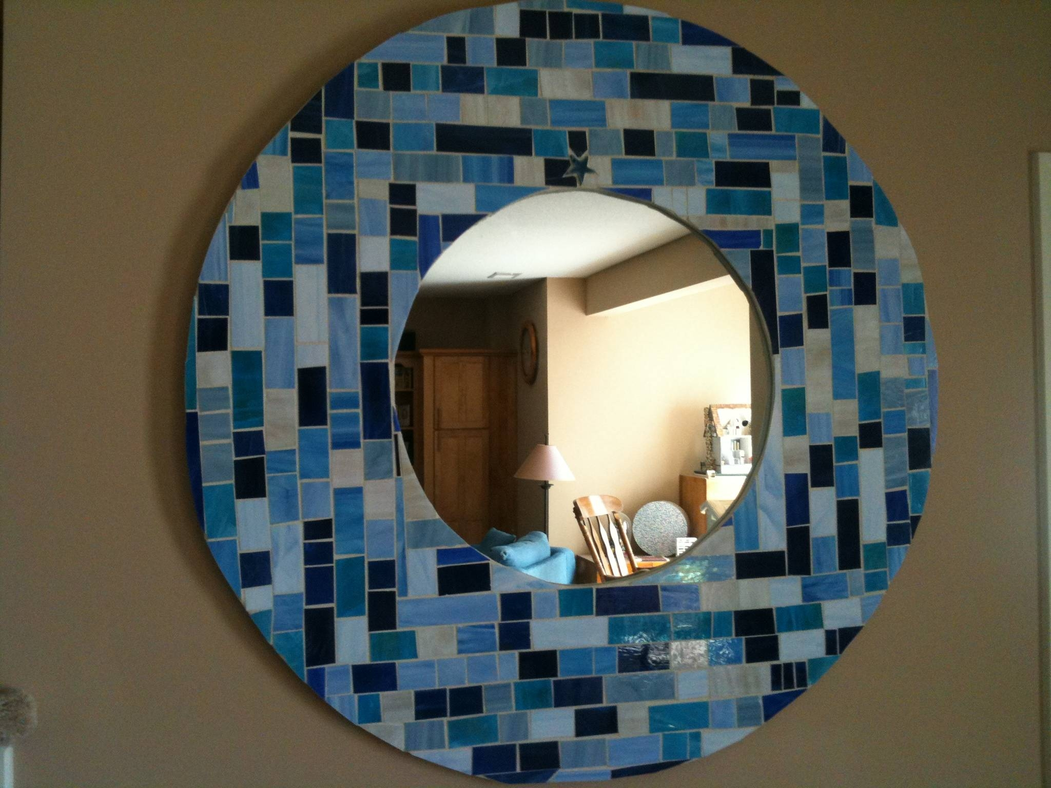 Round Mosaic Mirror In Shades Of Blue (View 7 of 15)