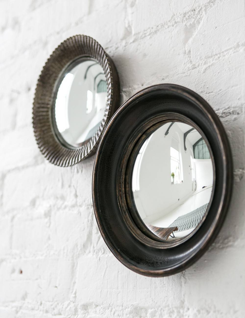 Small Convex Mirror For Creating Striking Wall Decoration | Homesfeed Throughout White Convex Mirrors (View 6 of 15)