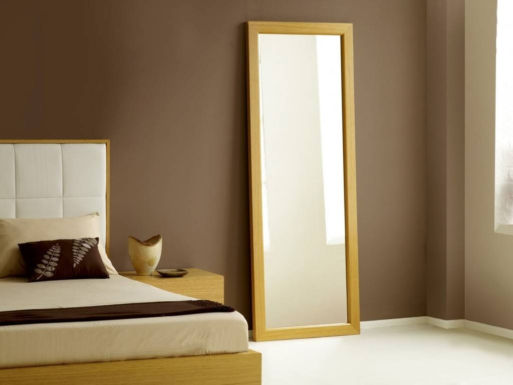 Why Mirror Facing The Bed Is Bad Feng Shui With Long Mirrors (View 9 of 15)