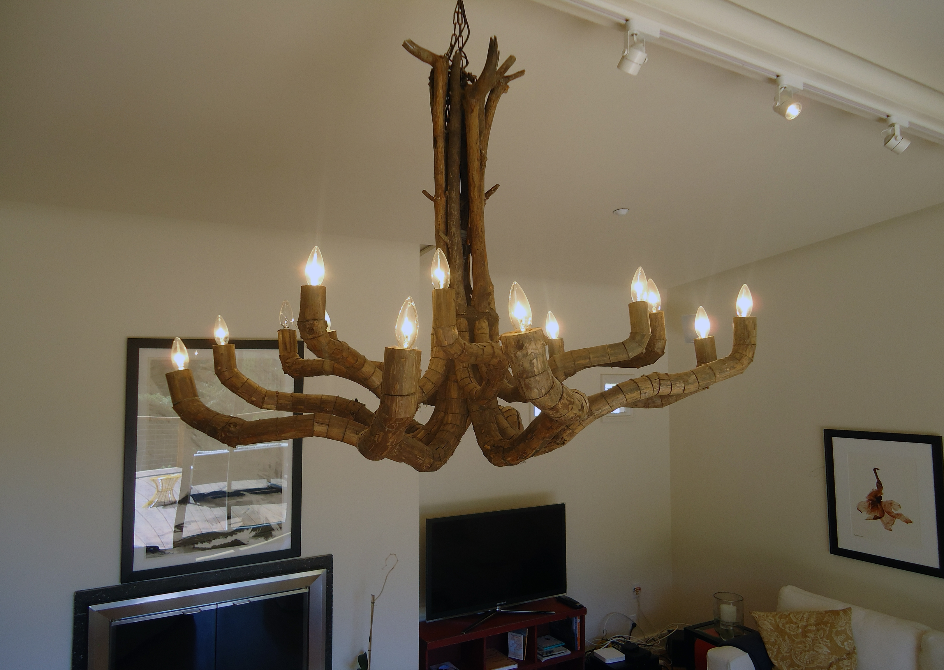 Chandelier: Unique Work Of Art With Driftwood Chandelier For Beach House Pendant Lighting (View 15 of 15)
