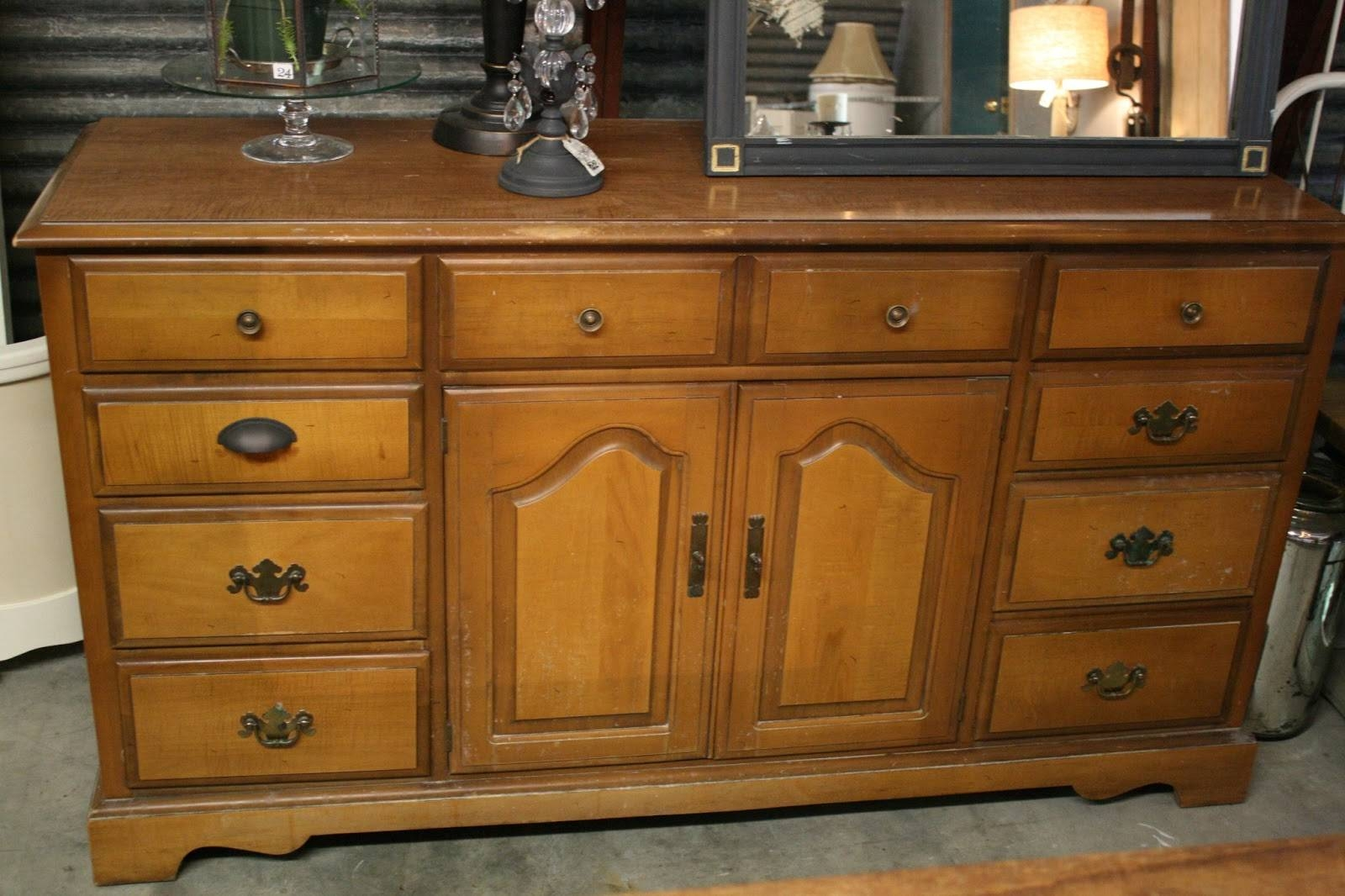 Reloved Rubbish: Arles Chalk Paint Buffet Inside Chalk Painted Sideboards (View 12 of 15)