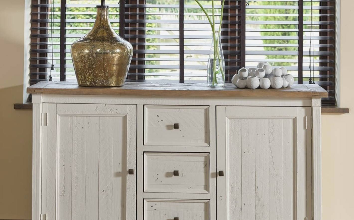 Sideboard : Best Dining Room Buffets And Sideboards Decor Idea inside Sideboards Decors (Image 13 of 15)
