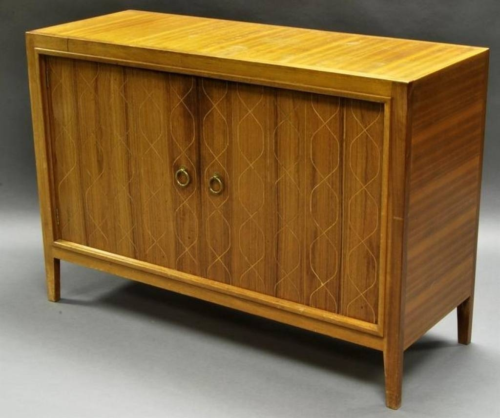 Sideboard Gordon Russell Of Broadway, A Mahogany And Rosewood throughout Gordon Russell Helix Sideboards (Image 14 of 15)