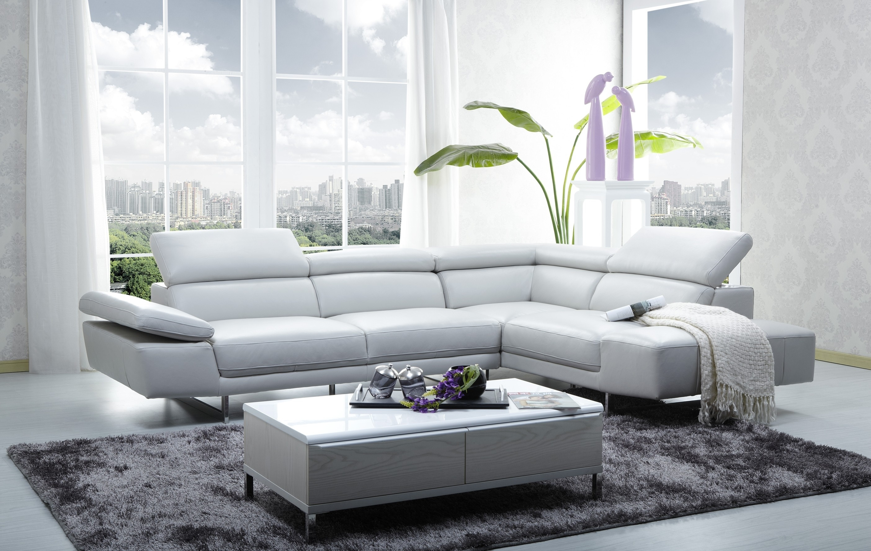 1717 Italian Leather Modern Sectional Sofa Pertaining To Sectional Sofas In Stock (View 1 of 10)