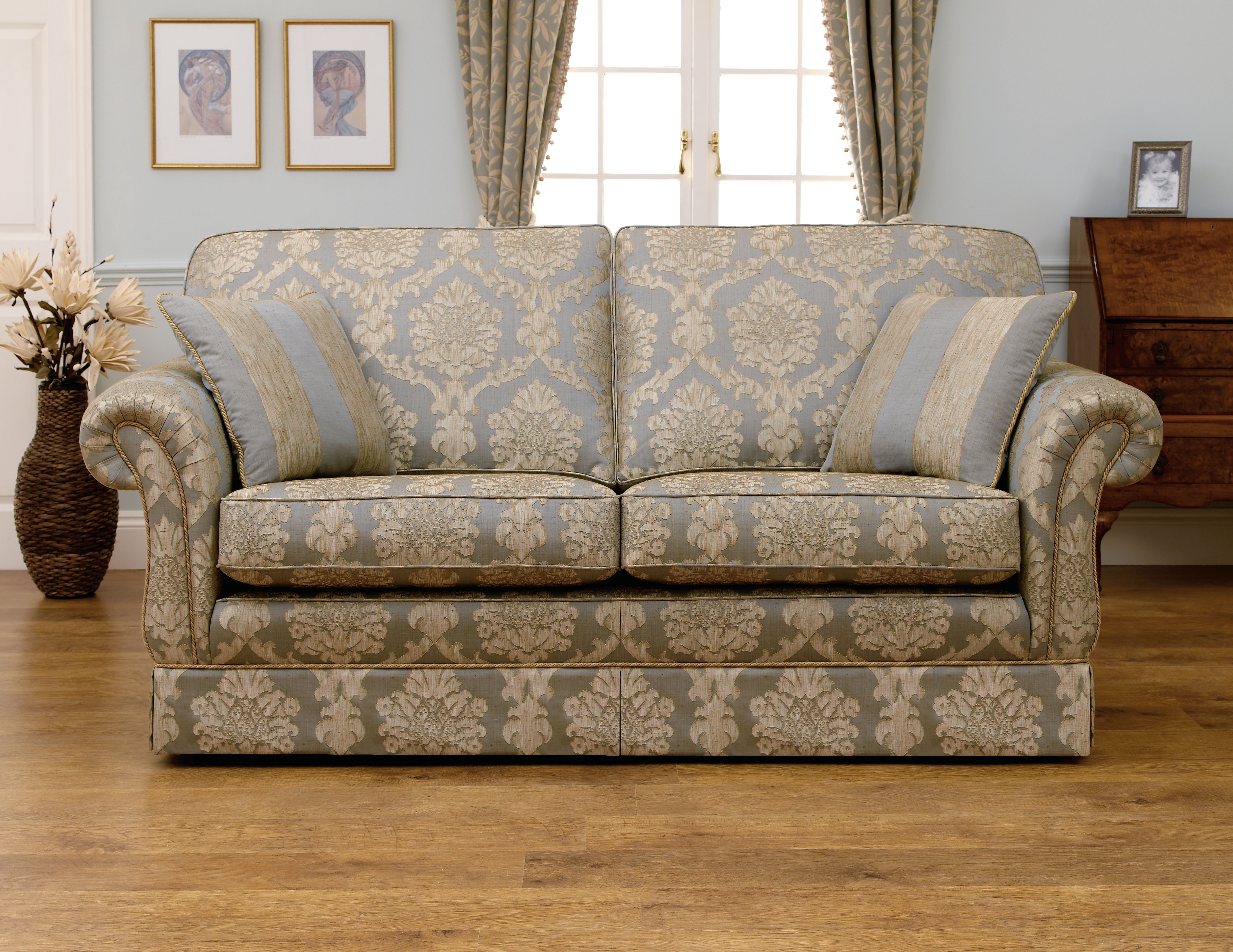 Beautiful Sofa Styles For Your Sofas Wonderful Distressed Leather inside Classic Sofas (Image 1 of 10)