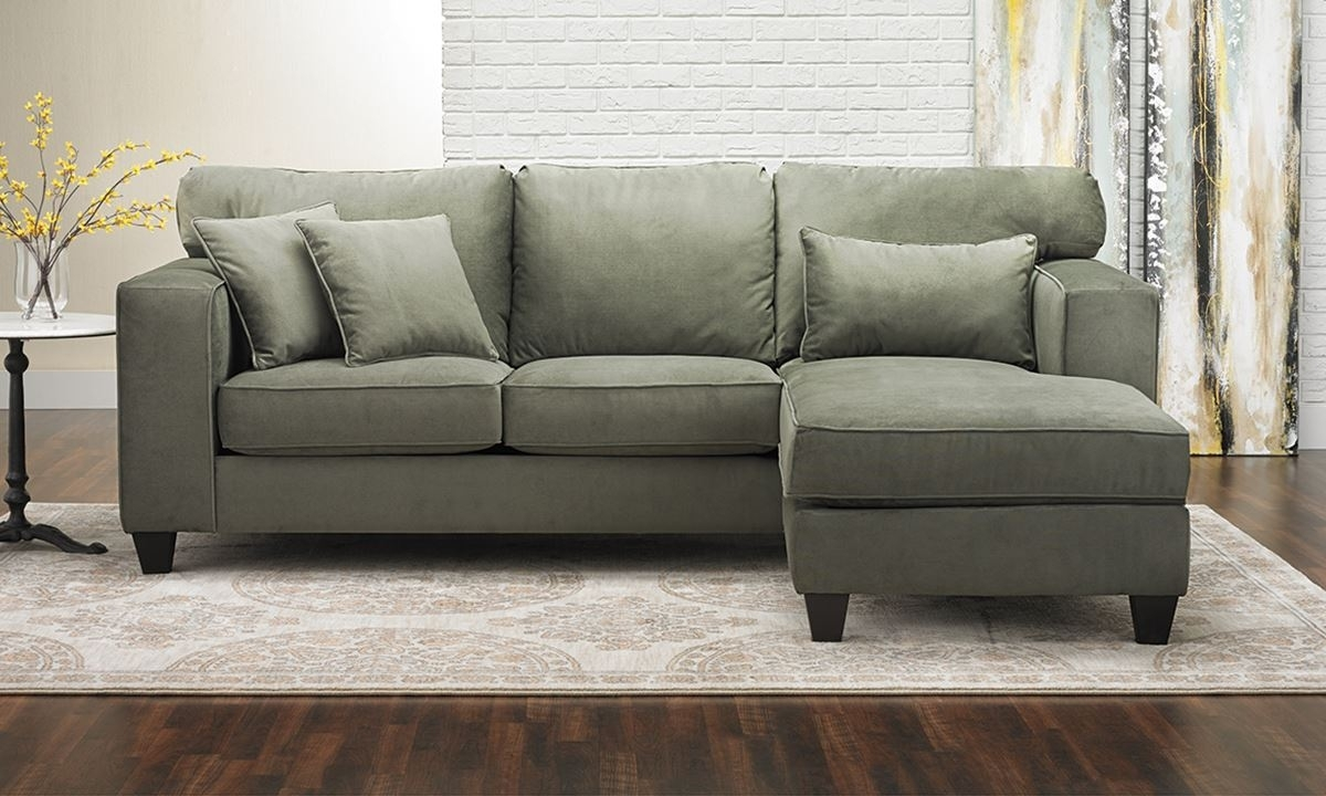 Popular Photo of Sectional Sofas With Chaise
