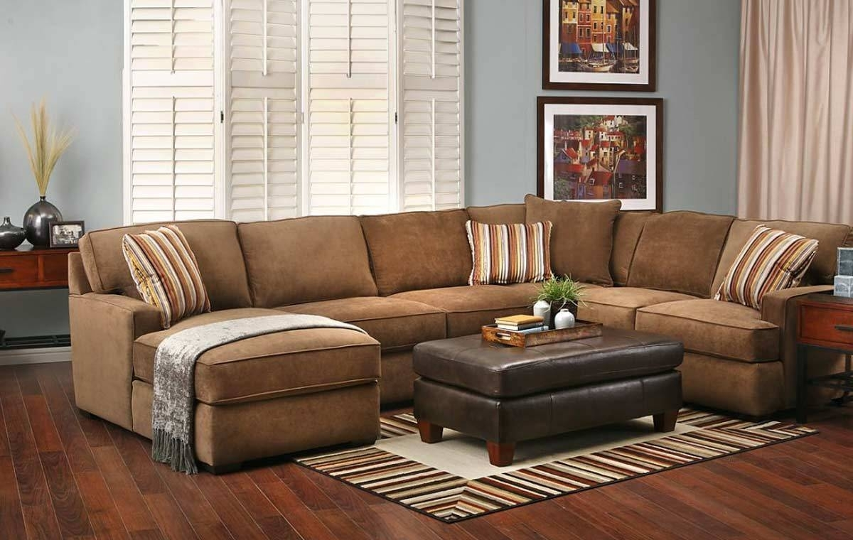 Choosing One Of The Suitable Sectional Sofas For Modern Living Room With Regard To Sectional Sofas At Calgary (View 6 of 15)