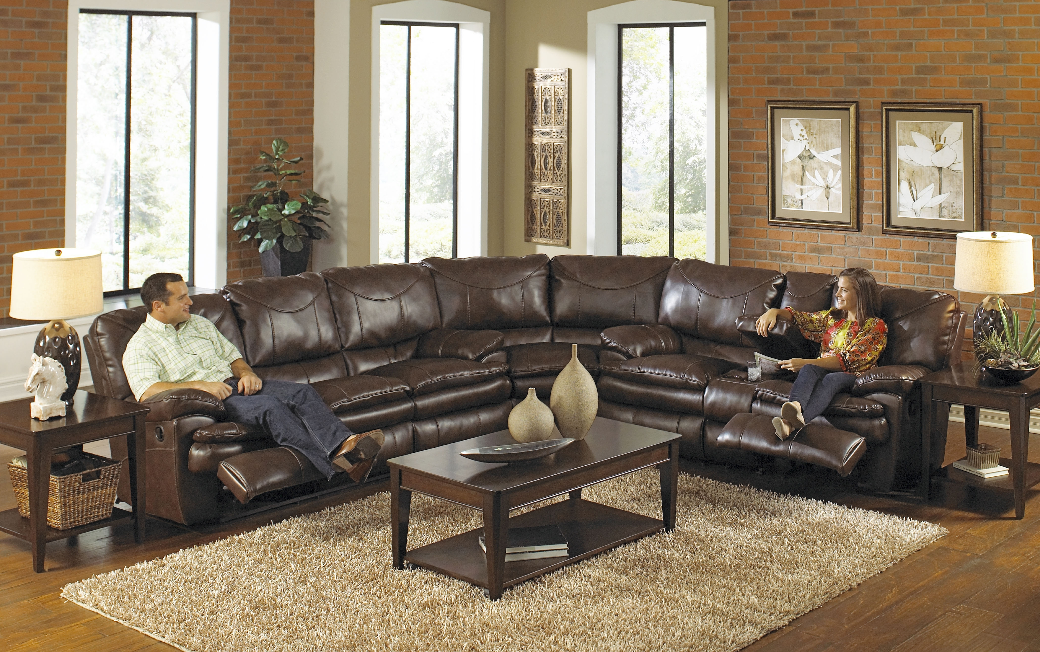 Popular Photo of Sectional Sofas With Recliners Leather