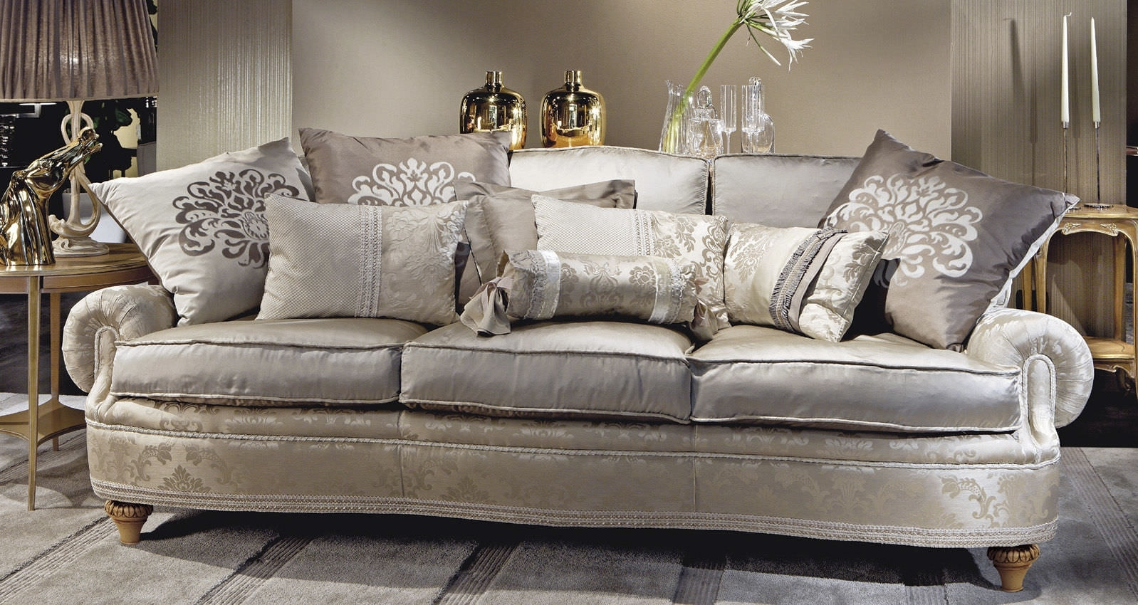 Epic Traditional Sofas 60 For Modern Sofa Inspiration With In Traditional Sofas (Photo 9 of 10)