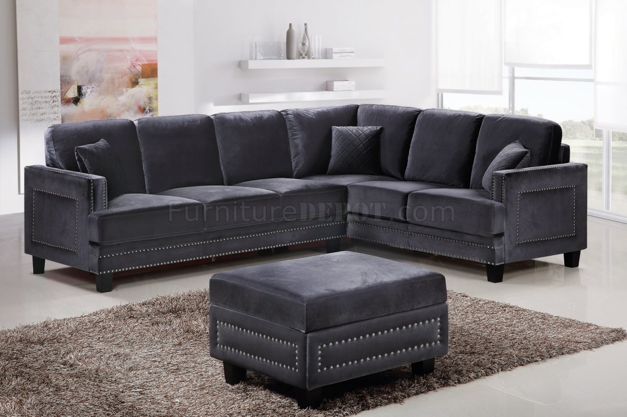 Ferrara Sectional Sofa 655 In Grey Velvet Fabric W/options Intended For Sectional Sofas With Nailheads (View 3 of 10)