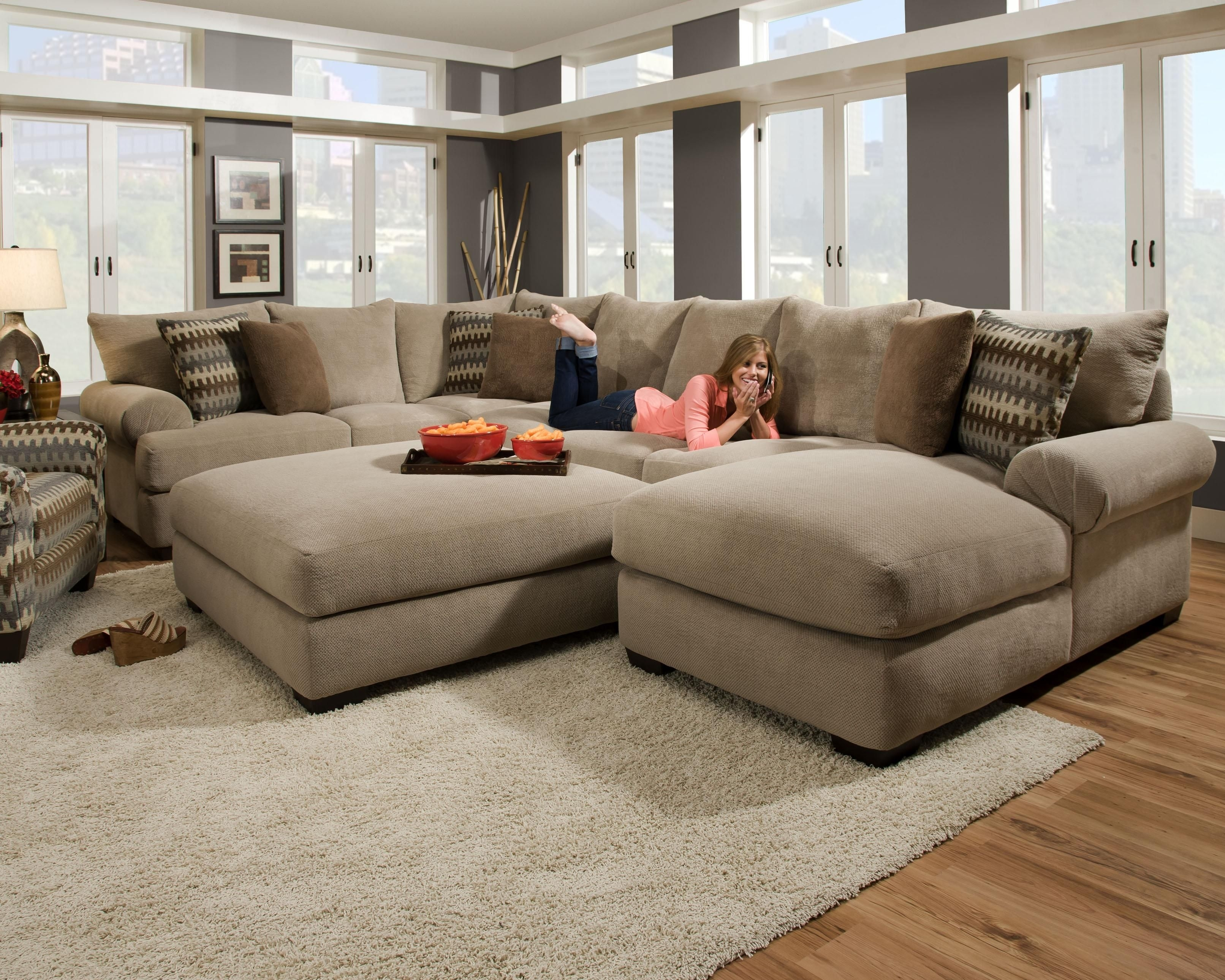 Furniture Design Idea For Living Room And Oversized U Shaped In Sectionals With Oversized Ottoman (View 4 of 15)