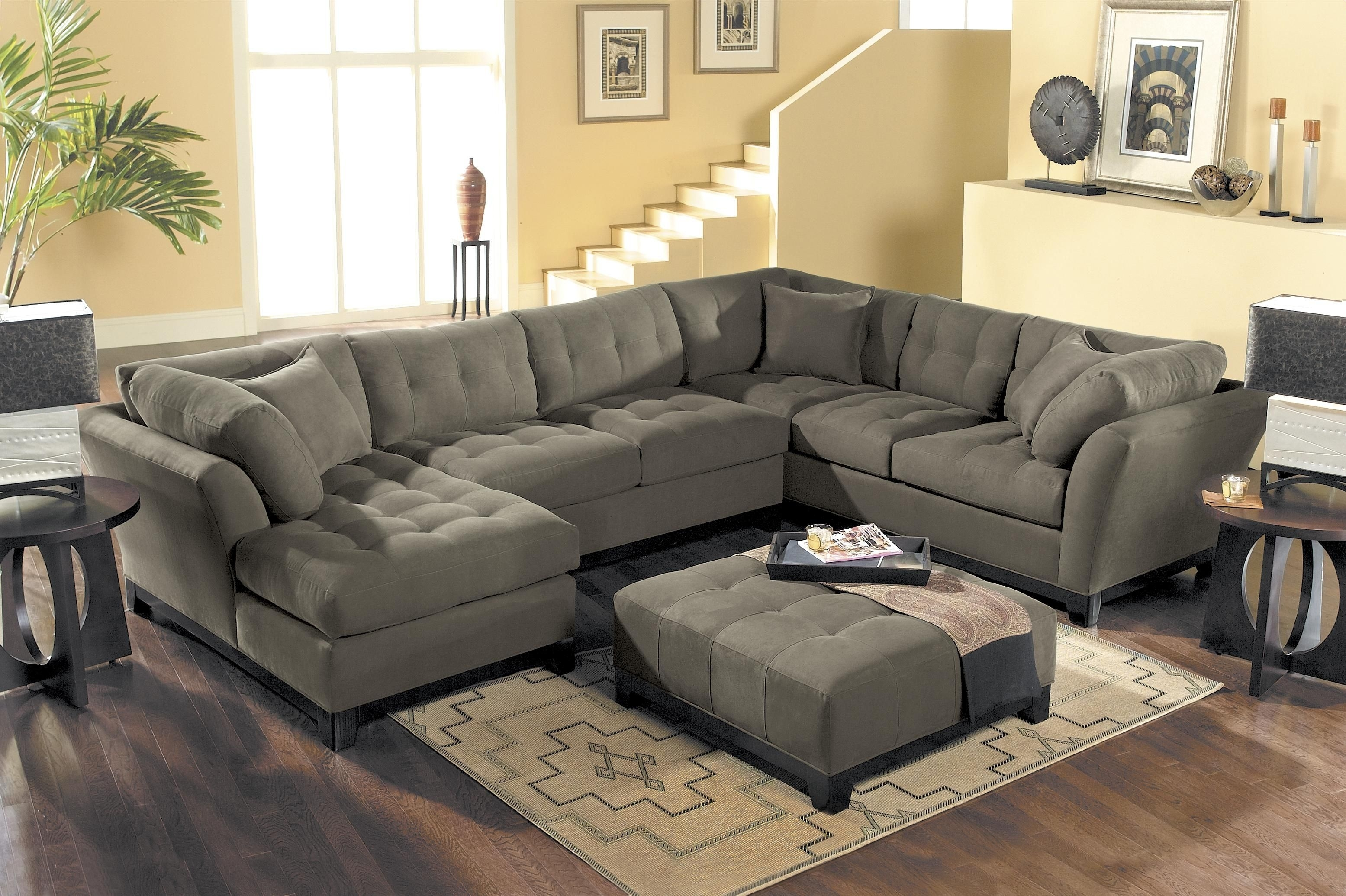 Hm Richards Metropolis Tufted Sectional Sofa With Chaise Lounger regarding Tufted Sectional Sofas (Image 5 of 10)