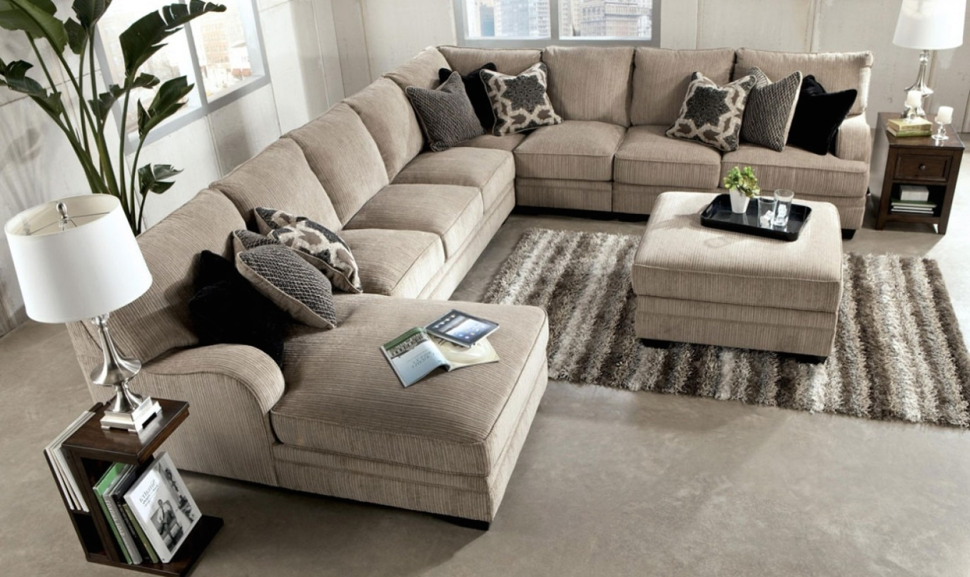 Home Design: Enormous Sectional Sofa : Alluring Sleeper Sectional for Sectional Sofas Under 1000 (Image 10 of 15)