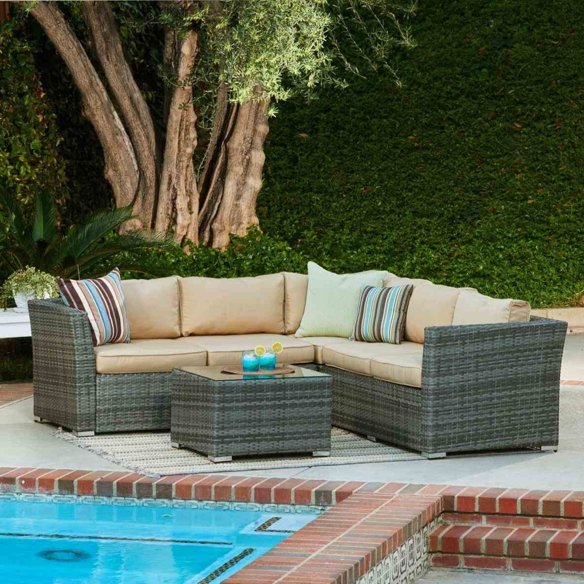 Justin Salem Meyer Des Moines Iowa Wedding And Fabric Sectional With Des Moines Ia Sectional Sofas (View 8 of 10)
