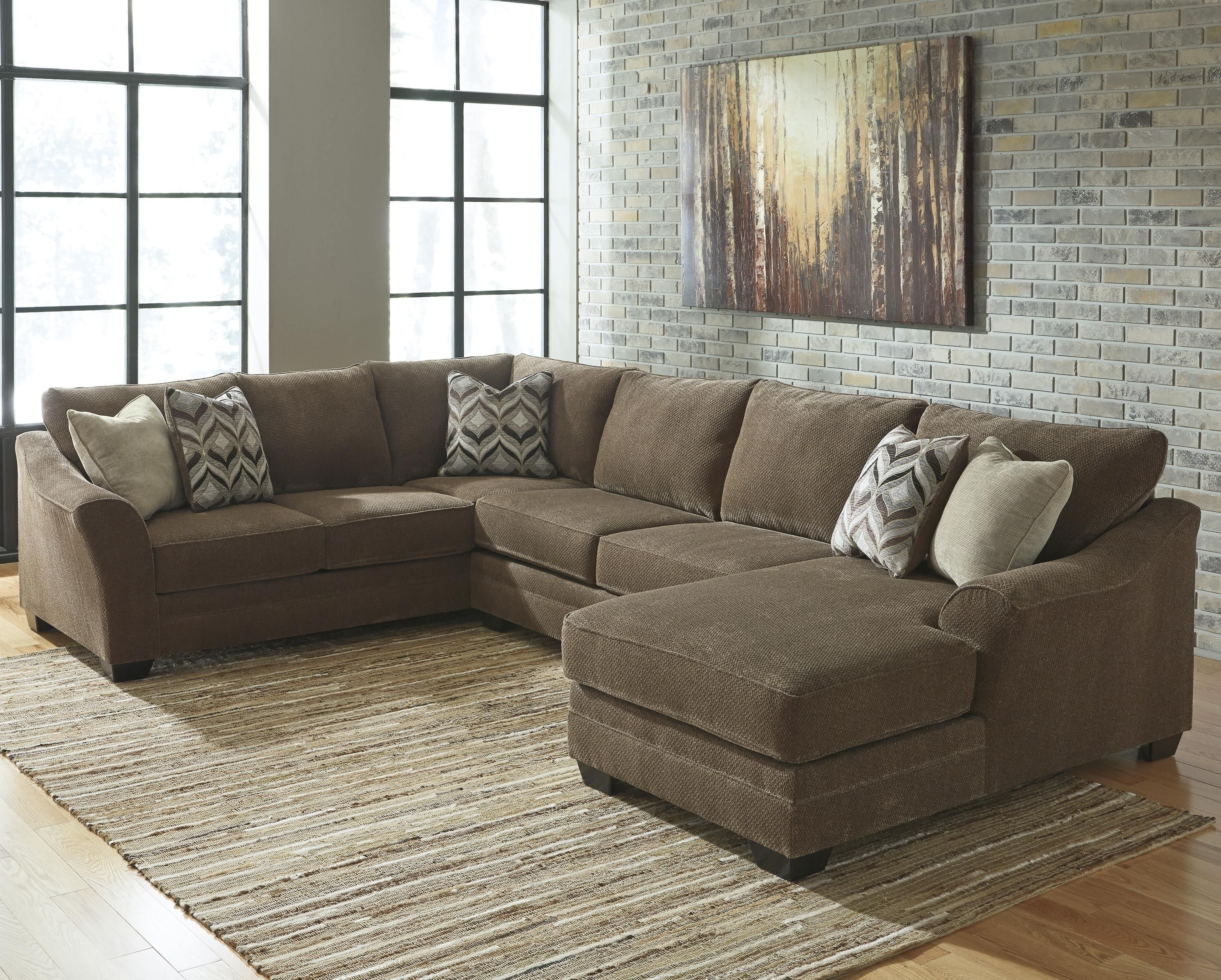 Justyna Contemporary 3-Piece Sectional With Right Chaise for Royal Furniture Sectional Sofas (Image 8 of 10)