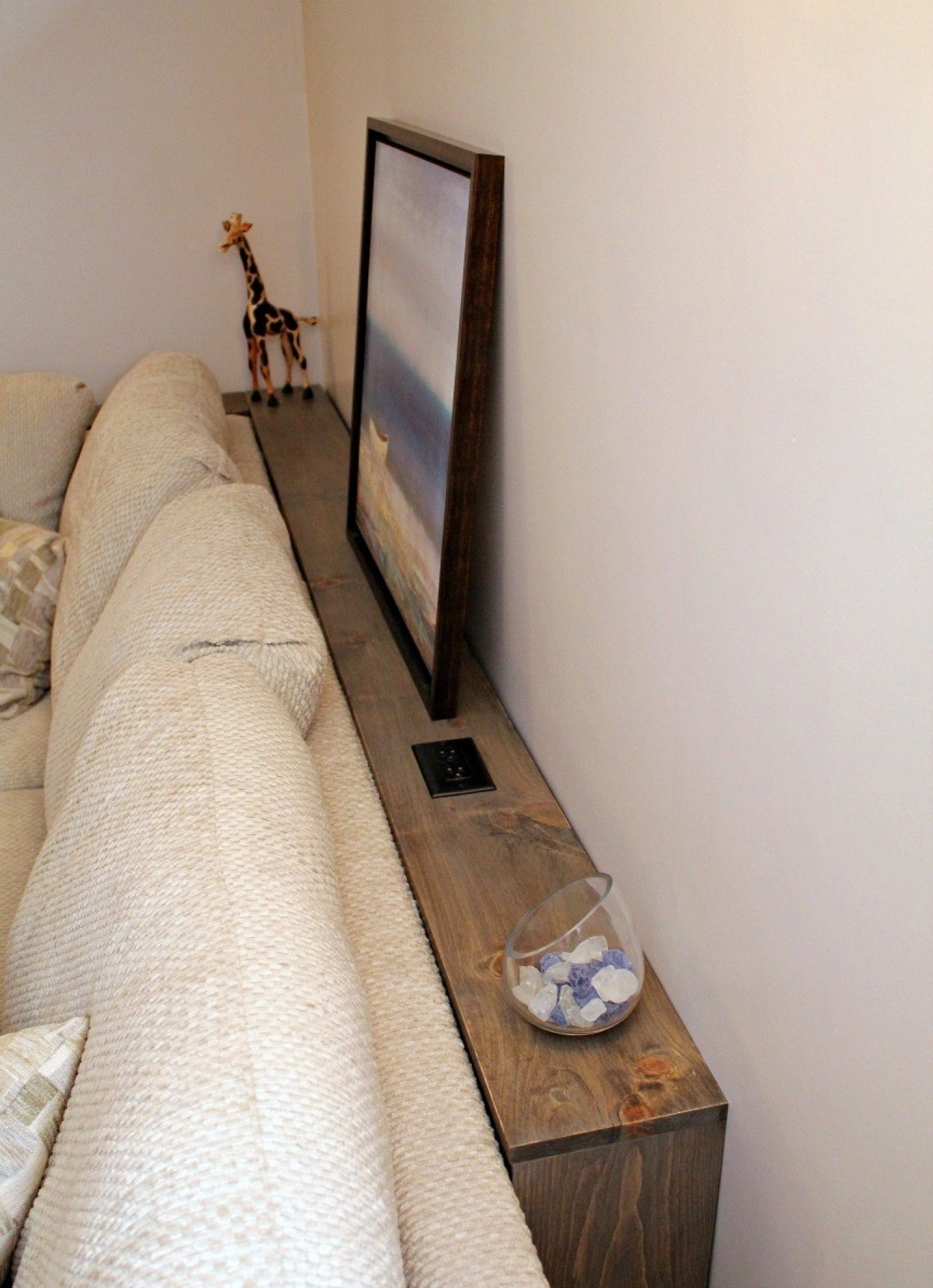 Sofa Drink Table with regard to Sofas With Drink Tables (Image 10 of 10)