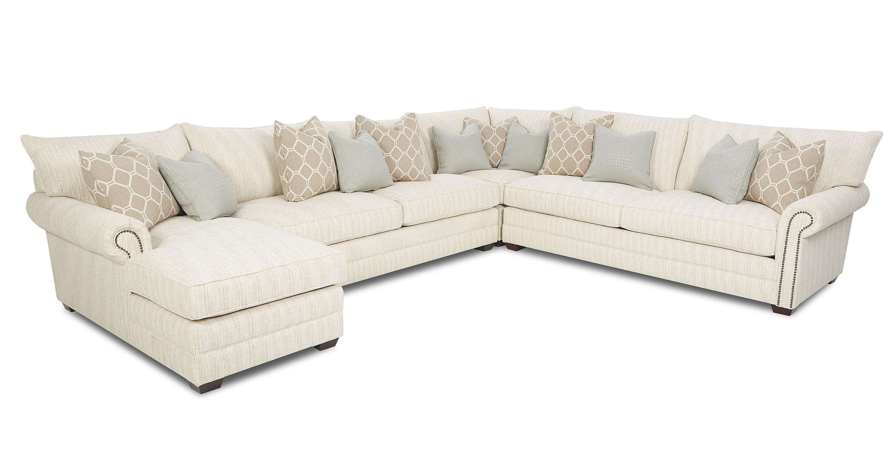 Traditional Sectional Sofa With Nailhead Trim And Chaise Lounge With Sectional Sofas With Nailheads (View 1 of 10)