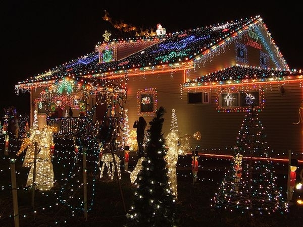 Awesome Outdoor Christmas Lights House Decorating In On Ideas Throughout Outdoor Wall Xmas Lights (View 7 of 10)