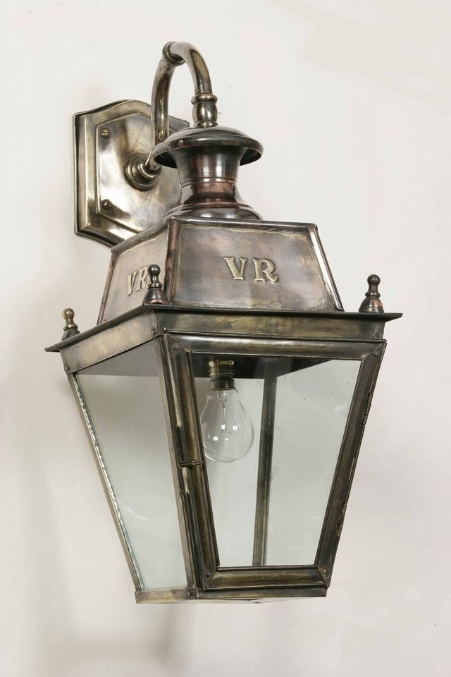 Featured Photo of Victorian Outdoor Wall Lighting