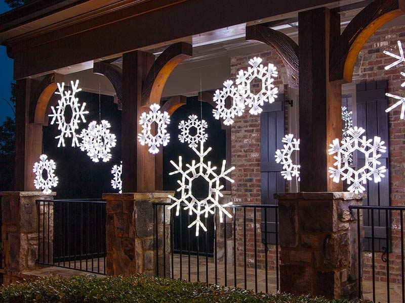 Christmas Decorating With Lighted Snowflakes – Christmas Lights, Etc Within Outdoor Hanging Snowflake Lights (View 5 of 10)