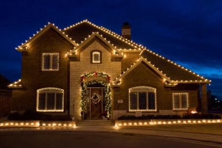 Christmas Lights Around Windows - Christmas Decor Inspirations with regard to Hanging Outdoor Christmas Lights Around Windows (Image 2 of 10)
