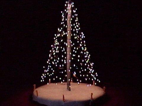 Diy Outdoor Christmas Tree How To Hang Christmas Lights Diy - Varuna intended for Hanging Outdoor Christmas Tree Lights (Image 7 of 10)