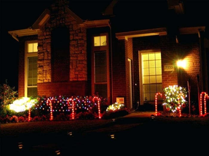 Hang Outdoor Christmas Lights Without Nails Beautiful How To Ideas within Hanging Outdoor Christmas Lights Without Nails (Image 2 of 10)