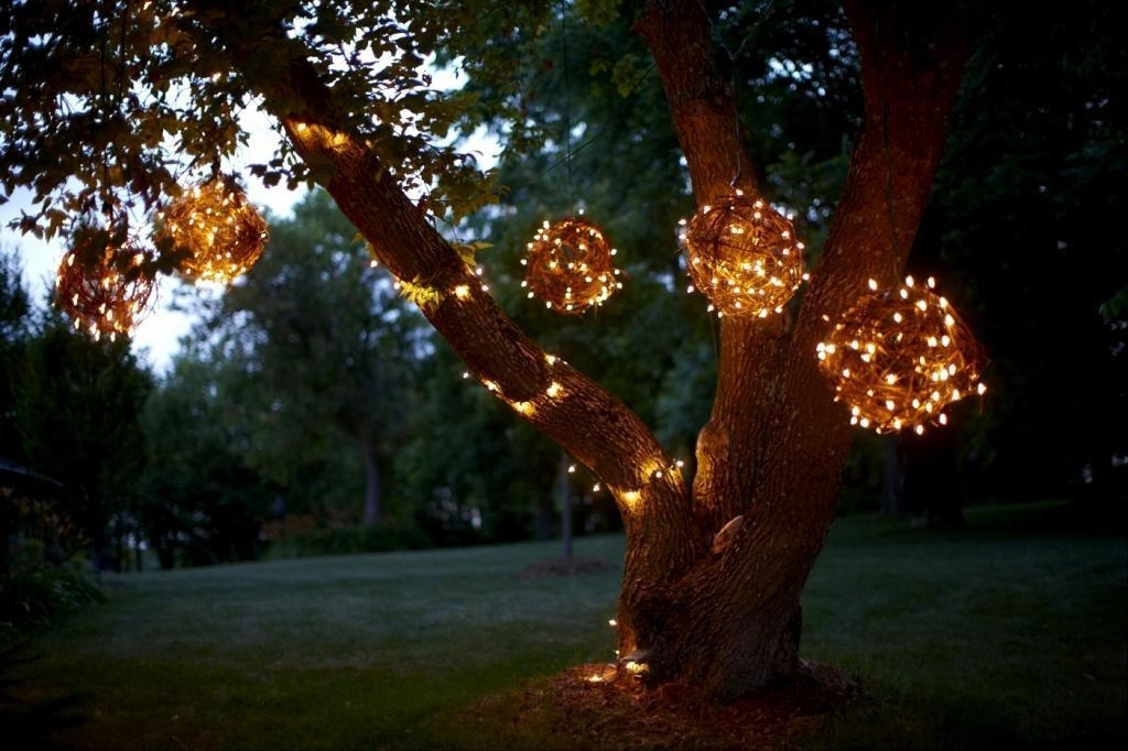 Hanging Outdoor Lights On Tree : The Best Hanging Outdoor Lights Pertaining To Outdoor Hanging Tree Lanterns (View 3 of 10)