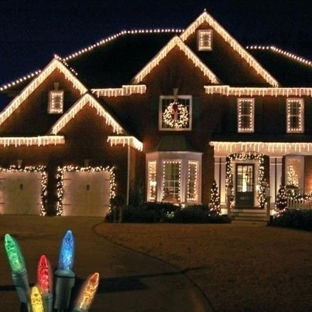 How To Hang Outside Christmas Lights Without Nails 5 Tips For inside Hanging Outdoor Lights Without Nails (Image 7 of 10)