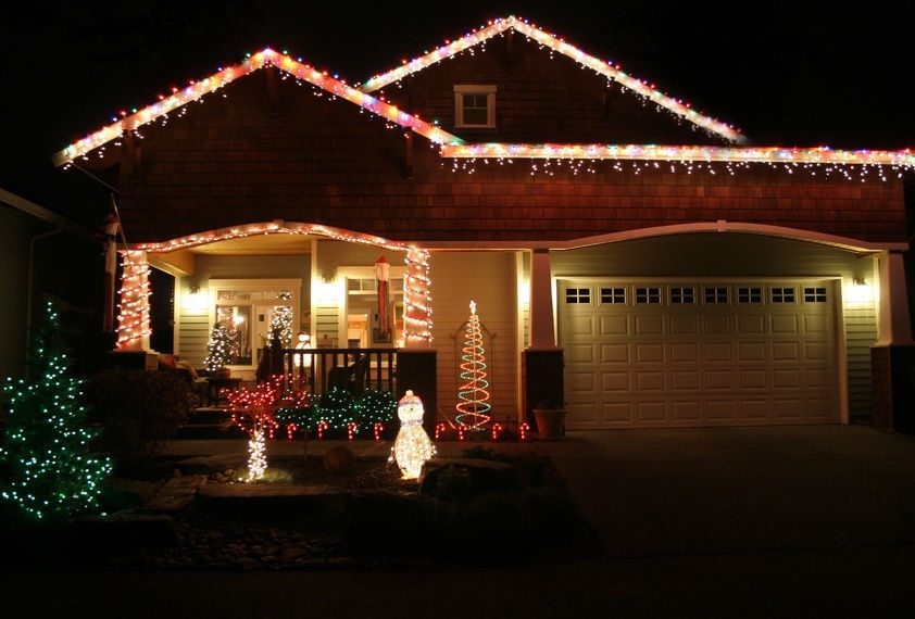 Keeping Your Home Safe This Christmas Intended For Hanging Outdoor Christmas Lights In Roof (Gallery 6 of 10)