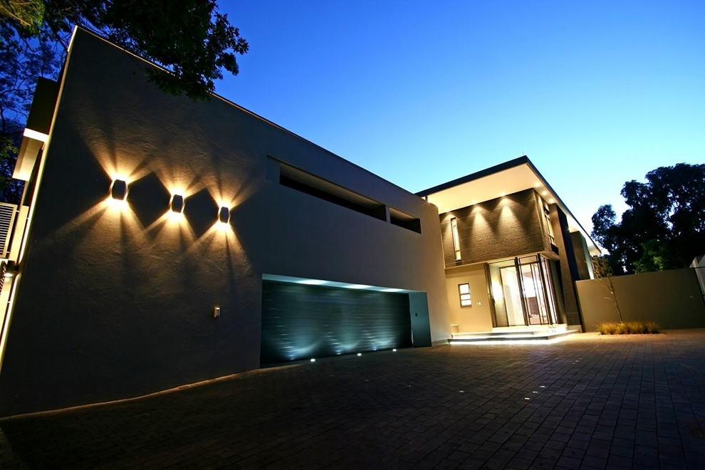 Modern Outside Wall Lights For Contemporary Modern House With Three within Outside Wall Lights for House (Image 4 of 10)