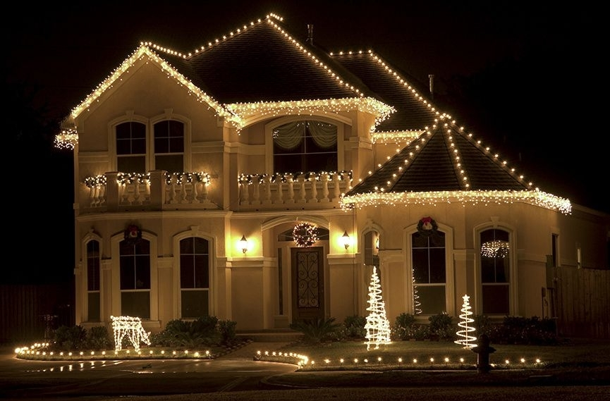 Outdoor Christmas Lights Ideas For The Roof | White Christmas Lights intended for Hanging Outdoor Christmas Lights in Roof (Image 8 of 10)