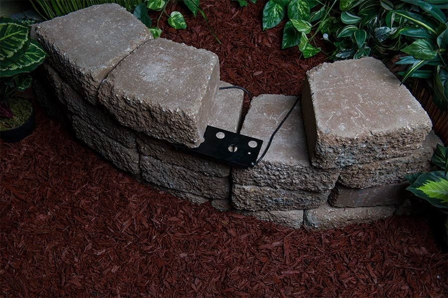 Retaining Wall Lights Low Voltage – Stephanegalland For Outdoor Rock Wall Lighting (View 10 of 10)