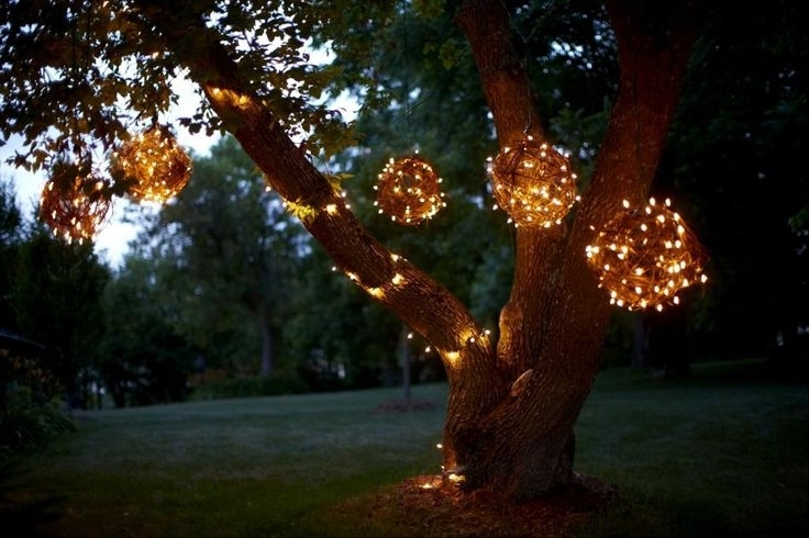 Splendid Outdoor Christmas Light Spheres Large Chritsmas Decor intended for Hanging Lights on Large Outdoor Tree (Image 8 of 10)