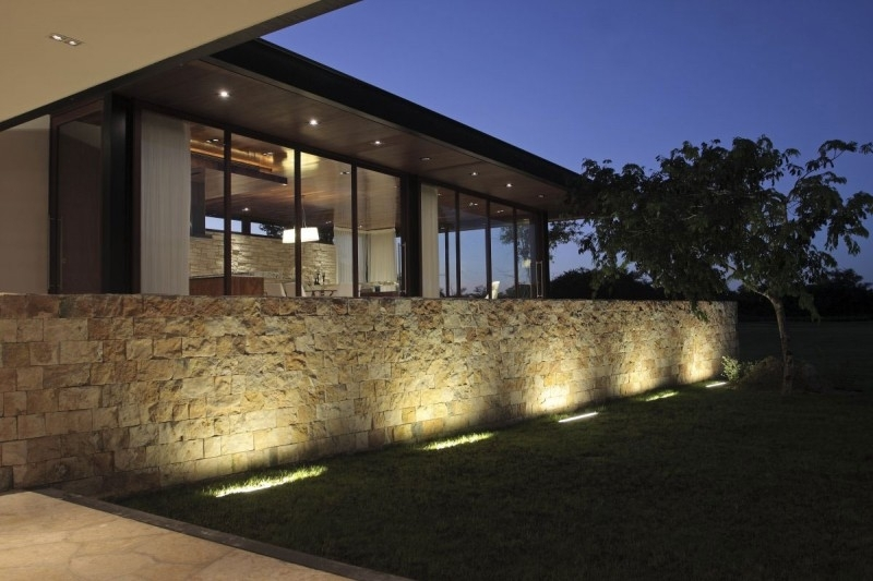 Stylish Design Outdoor Fence Lighting Pleasing Outdoor Stone Wall pertaining to Outdoor Stone Wall Lighting (Image 10 of 10)