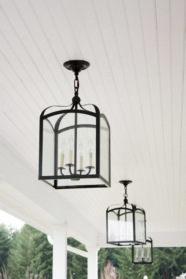 Popular Photo of Outdoor Hanging Carriage Lights