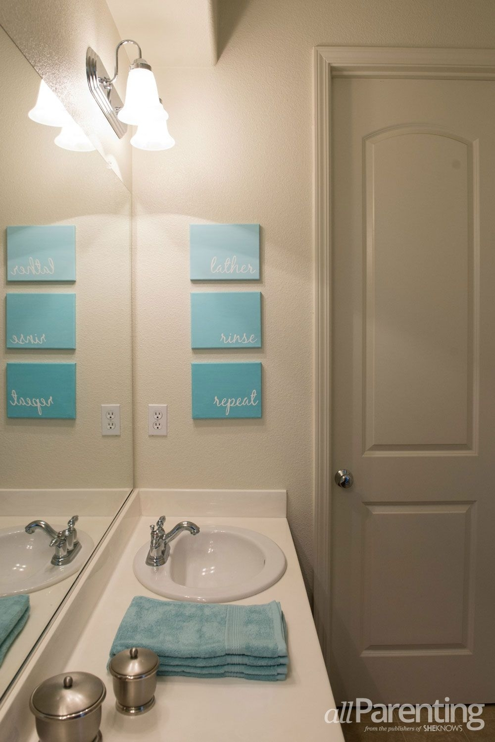 10 Diy Cool And Chic Decoration Ideas For Bathrooms 5 | Paint inside Bathroom Canvas Wall Art (Image 1 of 20)