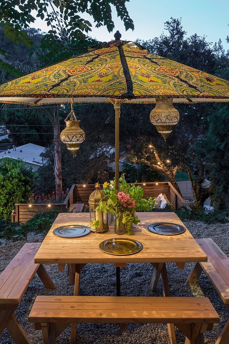 25 Outdoor Lantern Lighting Ideas That Dazzle And Amaze! | Outdoor For Outdoor Dining Lanterns (View 6 of 20)