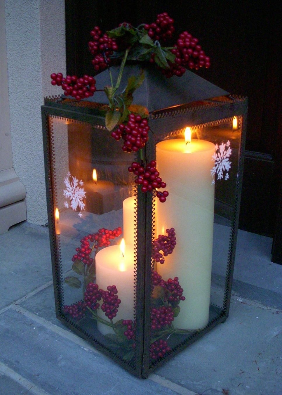 35+ Crafty Outdoor Holiday Decorating Ideas | Christmas Decorating In Outdoor Holiday Lanterns (View 6 of 20)