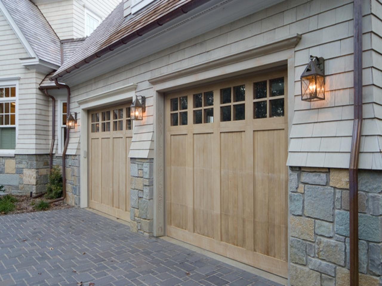 40 Outdoor Lights For Garage Door, 15 Different Outdoor Lighting With Regard To Outdoor Lanterns For Garage (View 5 of 20)